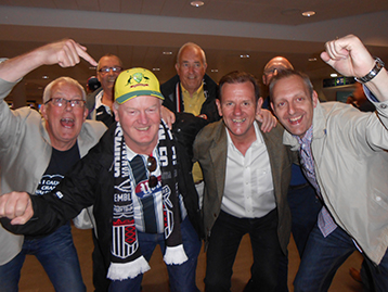 Melbourn Mariners Dave recently based in Florida has relocated to Amsterdam to enable easier following of Town. The Histon Mariners celebrate the news.