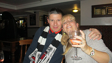 A rather cautious McMike and a rather thirsty Lisa at the Notts, after much analysis.